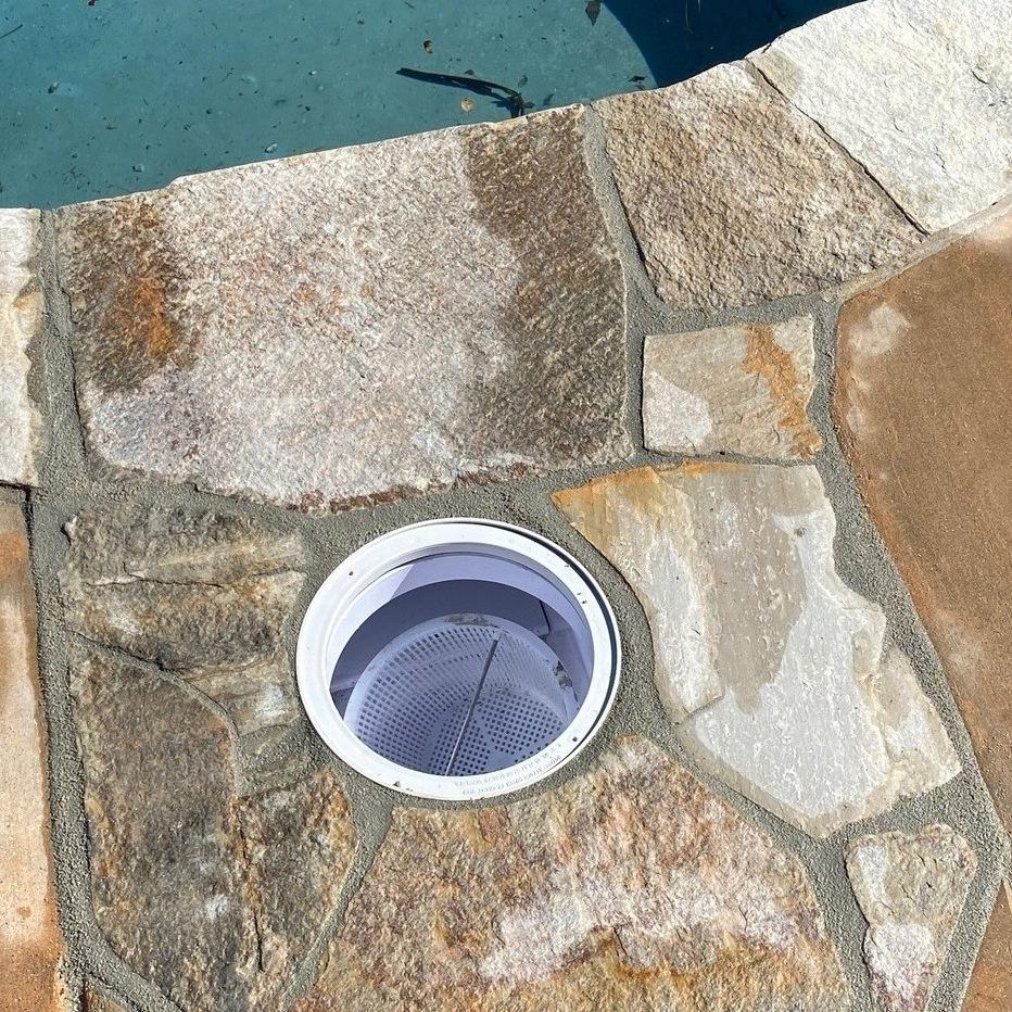 swimming pool skimmer repair in San Diego, ca